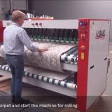 Станок для скрутки способен сворачивать 300 ковров за час